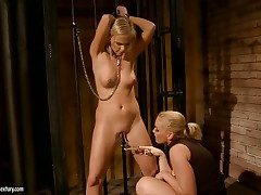 Blondie and Kathia Nobili are 2 dykes that have