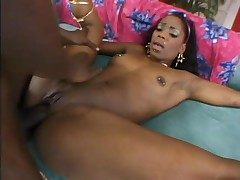 Dumping his creampie in her louring pussy